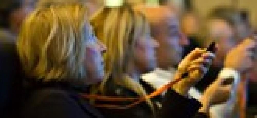 Интерактивные дискуссии и голосование на конгрессе EMUC 2012...